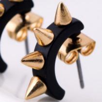 Brinco Rock Argola Pequena Preta C/dourado