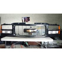 Parrilla Chevrolet Cheyenne Silverado Suburban Modelo 96-99