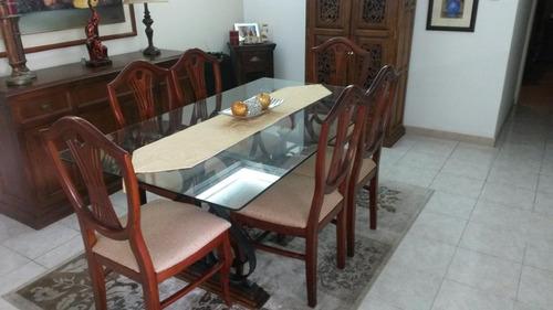 Mesa de comedor con base de hierro forjado para 6 for Comedor hierro forjado