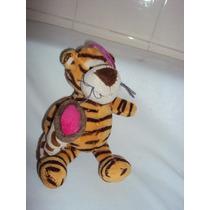 Boneco De Pelúcia Tigre Turma Do Pooh Com Manta 20cm 2b