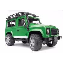 Bruder 2590 - Land Rover Defender Station Wagon Verde