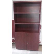 Librero Color Caoba, Con 4 Entrepaños Y Puertas Abatibles
