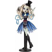 Boneca Monster High Freak Du Chic- Frankie Stein C/ Pedestal