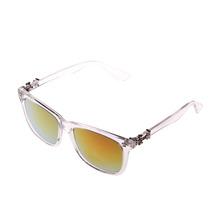 Gafas De Sol Modernas Hechas Con Materiales Ligeros