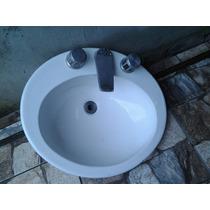 Pia Em Louça Para Banheiro Com Misturadores Usada