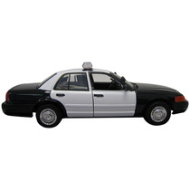 Motormax 1:18 Die-cast 2001 Ford Crown Victoria Police Car
