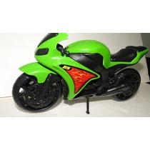 Moto Street 1000 - Cor Verde - Brinquedo Para Criança