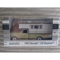 Greenlight 1969 Chevrolet C10 Cheyenne Exclusivo Camper