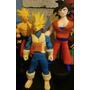 Goku Fase Normal Y Goku Super Saiyajin En Porcelana!