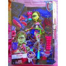 Monster High Set De Muneca De Iris Clops Con Ropa