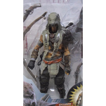Boneco Assassins Creed Ratonhnhakéton - Mcfarlane Toys.