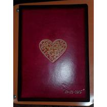 Libro De Firmas De Cuero Grabado Con Hojas Pentagramadas