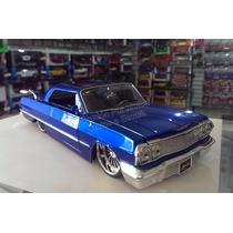 1:24 Chevrolet Impala 1963 Azul Candy Jada Ranfla Display