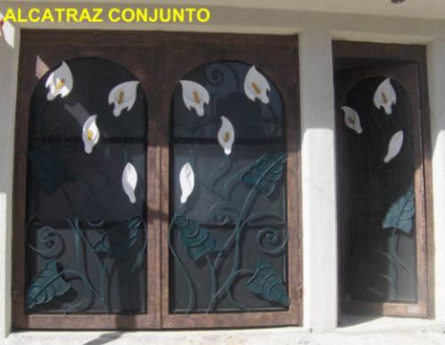 Puerta alcatraz de herreria rustica fina metro cuadrado for Puertas principales de herreria elegantes