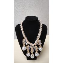Collar Con Perlas Hermosas Y Adornos