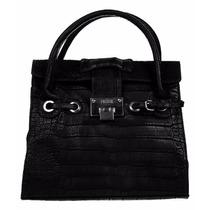 Prune Cartera Modelo Mediano Con Correa Larga Color Negro