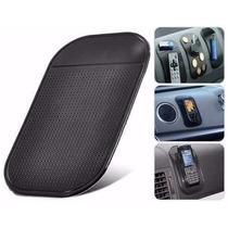 Tapete Antiderrapante Para Accesorios En El Auto Color Negro