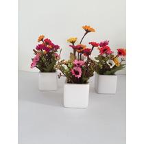 Arranjo De Flores Artificiais Mini Em Vaso De Porcelana