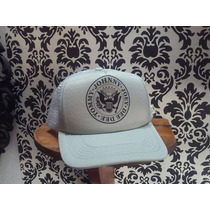 Gorra Trucker Custom Camionera Ramones - Ajustable/regulable