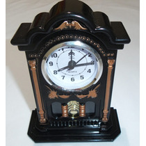 Relógio De Mesa Com Pendulo Detalhado Art House No Leilao **