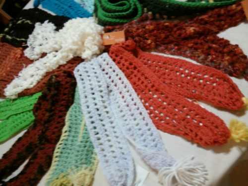 bufandas tejidas a mano para niños