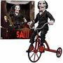 Jogos Mortais Jigsaw Billy The Puppet & Tricycle Saw Vitrine