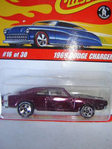 Dodge Charger 1969- Hot Wheels Classics-series 2 - $ 275,00 en