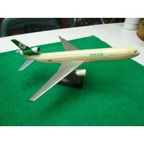 Mc Donnell Douglas Eva Air B160101 Con Pedestal