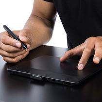 Mesa Digitalizadora Wacom Intuos Pen & Touch Photo Cth-490pk