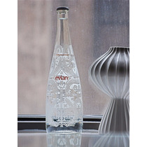 Evian Botella De Agua Llena Christian Lacroix Diseñador