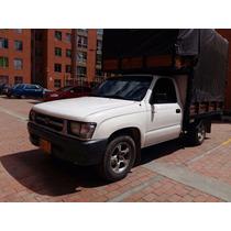 Toyota Hilux 2002, Motor 2400, Blanca, Estacas Y Carpa.
