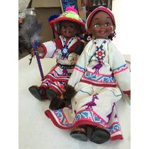 Muñecos Vestidos Con El Traje Tradicional Huichol