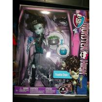 Frankie Monster High Halloween Draculaura