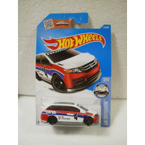 Hot Wheels Camioneta Honda Odyssey Blanco 115/250 2016