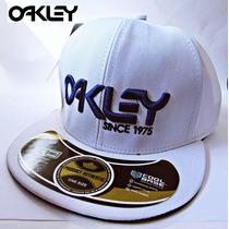 Boné Oakley Snapback Aba Reta -lançamento