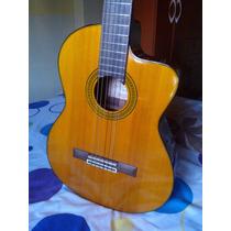 Hermosa Guitarra Electroacústica Marca Takamine (nylon)