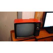 Televisão Antiga Vermelha Ligando Com Chuviscotv Retro