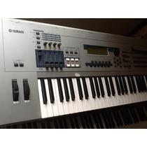 Yamaha Mo6 Motif 61 Keys