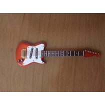 Miniatura Guitarra Salvat Coleção Instrumentos Musicais