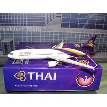 Miniatura Avião Phoenix 1:400 Thai Mcdonnell Douglas Md-11