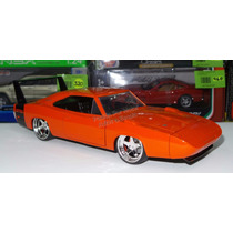 1:24 Dodge Charger Daytona 1969 Negro Jada Display