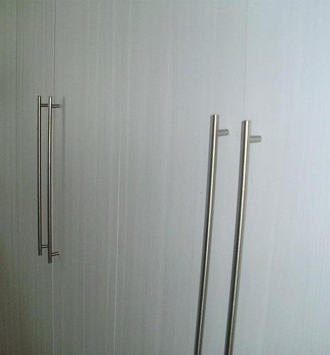 Puxador Armários Quartoaço Inox 512mm lote C2 Peças  R$ 110,00 em Mercado -> Armario Banheiro Aco Inox