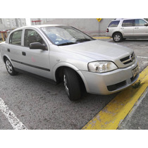 Chevrolet Astra 2006 Color Plata 5 Puertas.