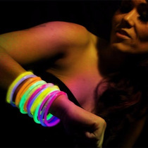 Pulseras Luminosas Cyalume Neon 50 Pack. Glow