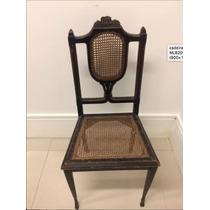 Cadeira Muito Antiga De Palhinha