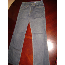 Jeans Levis, Mujer $ 8000.