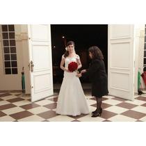 Vestido De Noiva Tamanho P, Todo Detalhado Nas Costas, 2.000