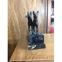 Figura Antigua De Perros Pastores Alemán En Bronce Sobre Már