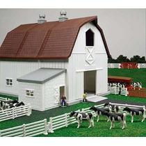 Granja Lechera A Esc 1:64 Establo Vacas Comederos Corrales