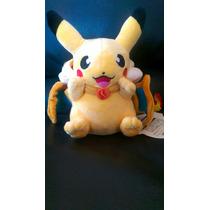 Peluche Pokemon Pikachu Con Gorro Charizard